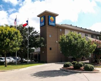 Picture of Comfort Inn & Suites in Seguin