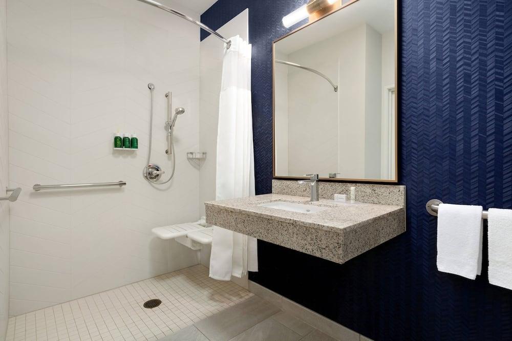 Kambarys, 1 labai didelė dvigulė lova, Nerūkantiesiems - Vonios kambarys