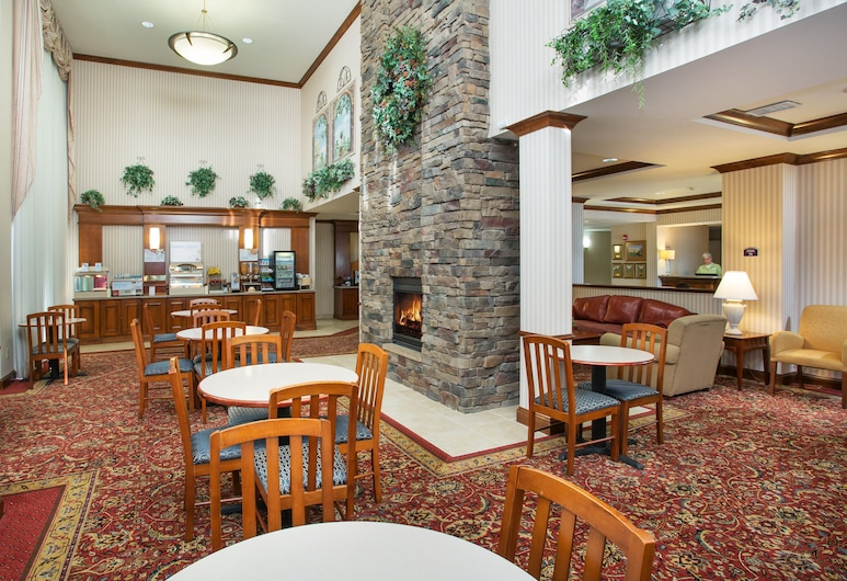 Holiday Inn Express & Suites Marion, Marion, Lobby