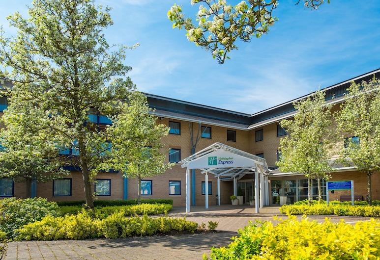 Holiday Inn Express Milton Keynes, Milton Keynes