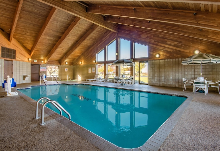 AmericInn by Wyndham Windsor Ft. Collins, Fort Collins, Pool