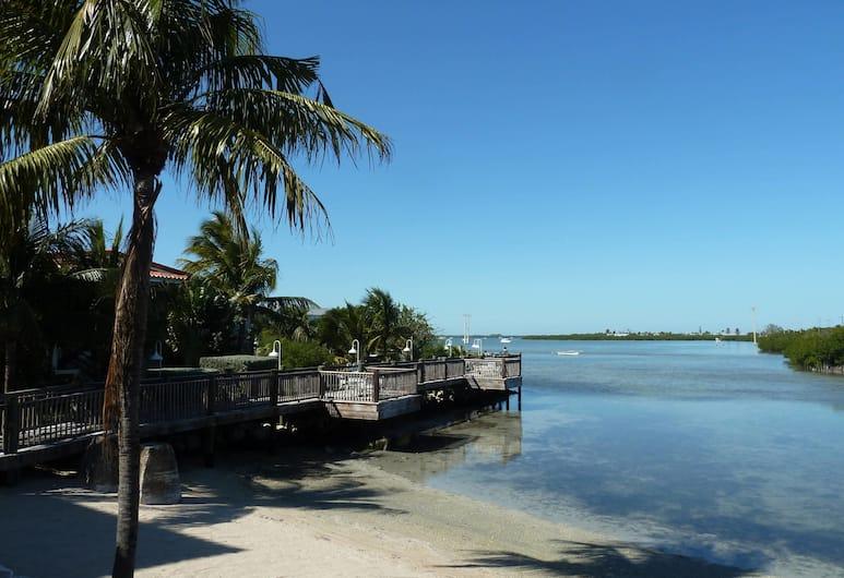 Courtyard by Marriott Key West Waterfront, Key West, Beach