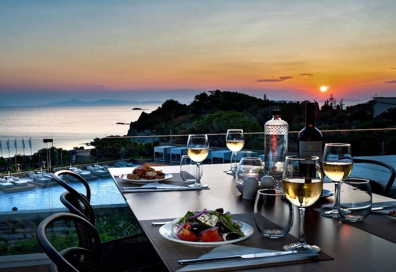 EverEden Beach Resort Hotel, Σαρωνικός, Γεύματα σε εξωτερικό χώρο