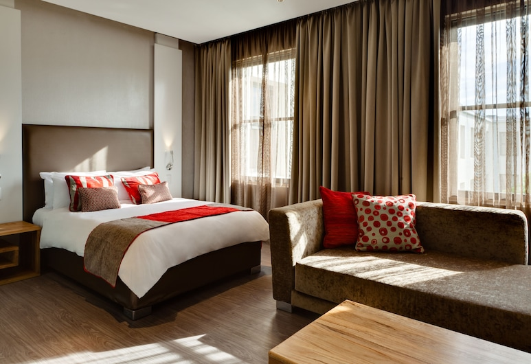 Protea Hotel by Marriott Cape Town Waterfront Breakwater Lodge, Cape Town, Room, 1 Double Bed with Sofa bed, Guest Room
