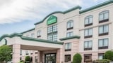 Reserve this hotel in Vineland, New Jersey