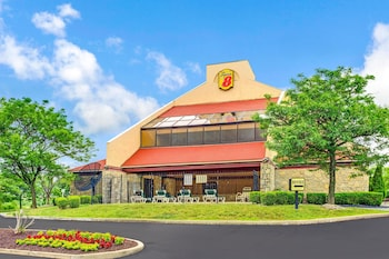 Picture of Super 8 by Wyndham Fort Mitchell Cincinnati Area in Fort Mitchell