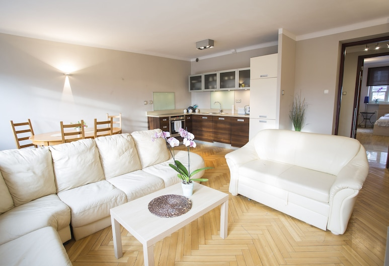 Old Town Apartments, Warsaw, Apartment, 2 Bedrooms, Living Room