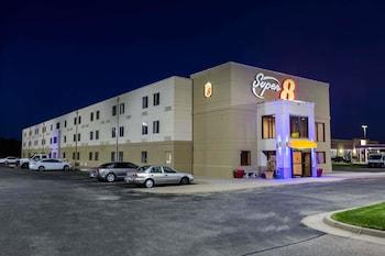 Picture of Super 8 by Wyndham Wichita North in Wichita