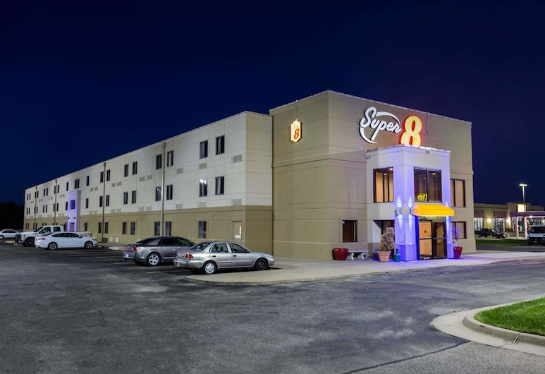 Super 8 by Wyndham Wichita North, Wichita