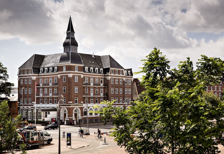 Milling Hotel Plaza, Odense, Hotel Front
