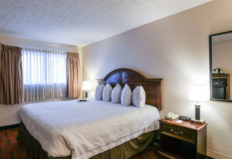 The Varsity Inn, Columbus, Standard Room, 1 King Bed, Accessible, Non Smoking, Guest Room