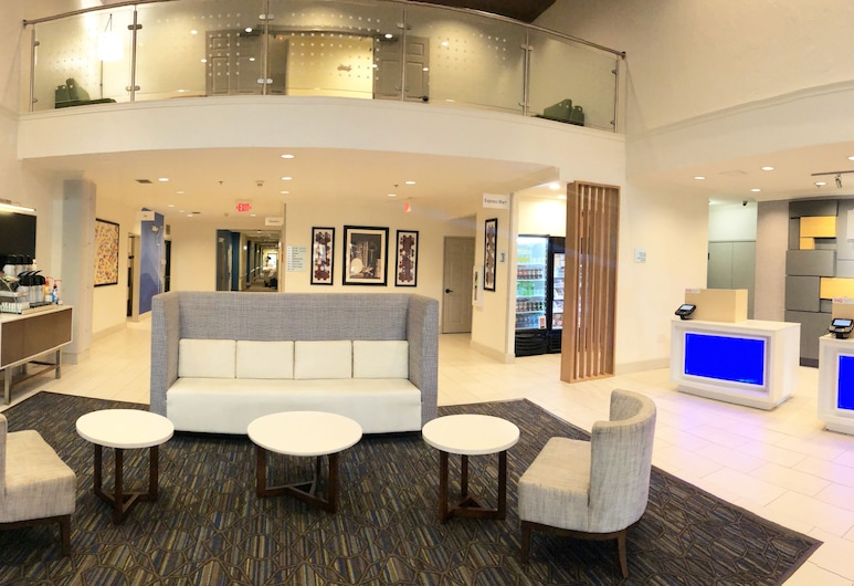 Holiday Inn Express Hotel & Suites Greenville, Greenville, Lobby