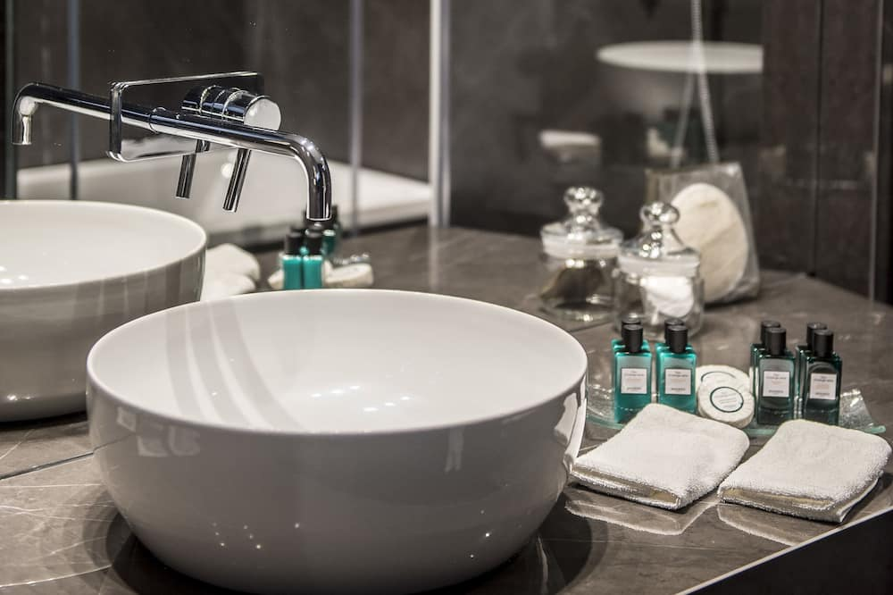 Luxury Δωμάτιο (New, Club Millesime, Runway View) - Μπάνιο