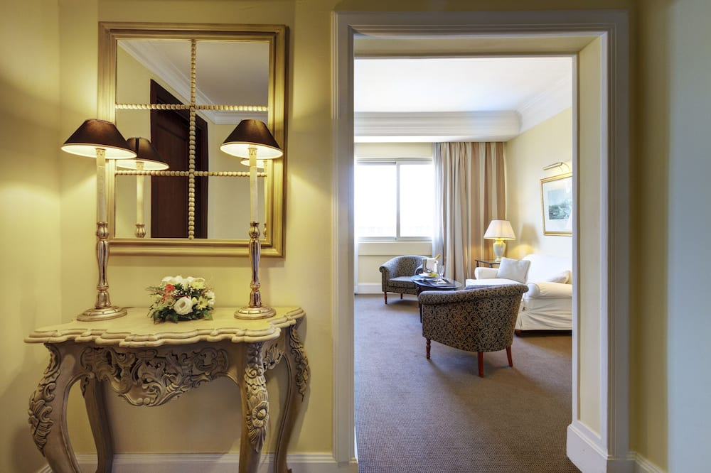 Grand Suite, 1 Double Bed, Balcony - Living Area