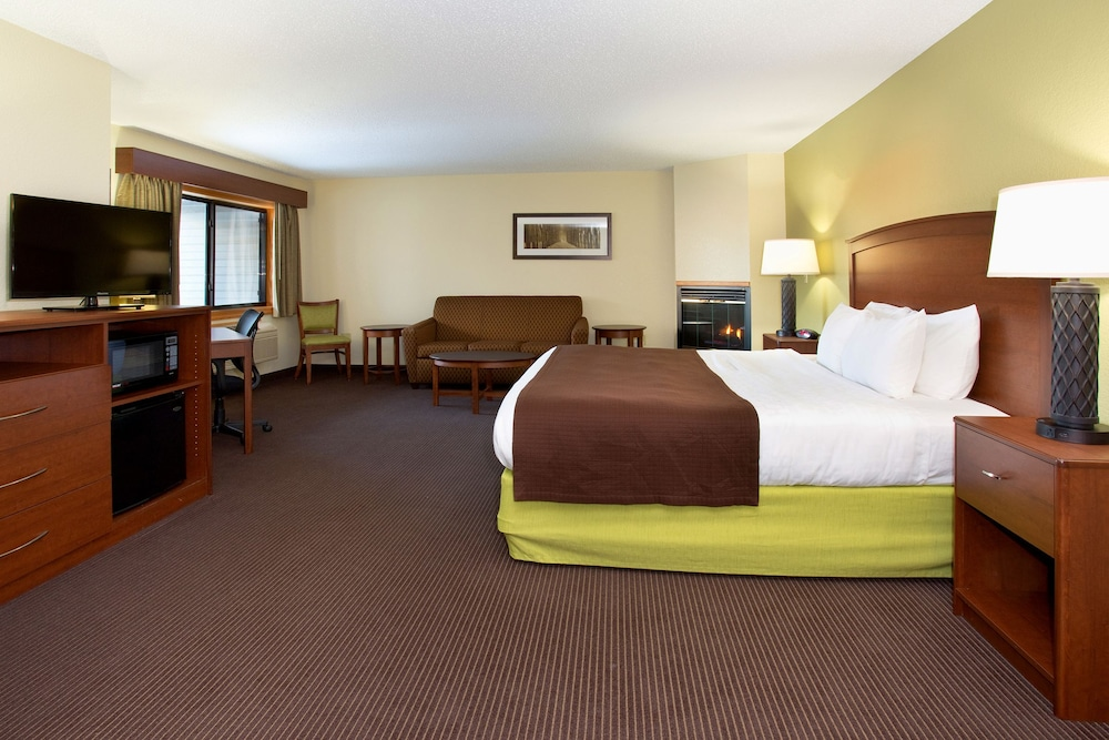 Cobblestone Hotel Suites Wisconsin Rapids