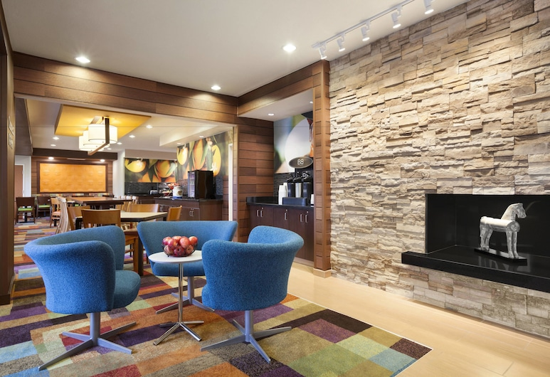 Fairfield Inn & Suites Lansing West, Lansingas, Vestibiulis