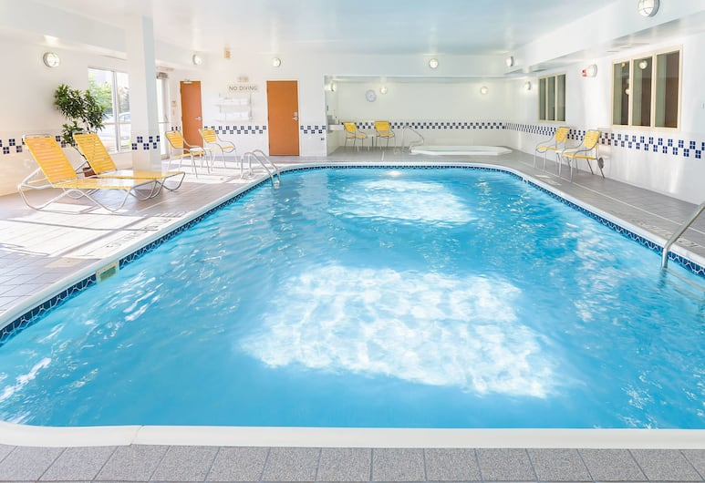 Fairfield Inn & Suites Grand Rapids, Grand Rapids, Indoor Spa Tub