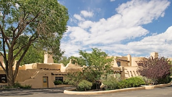 Picture of Sagebrush Inn & Suites in Taos