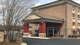Hotel , Pineville