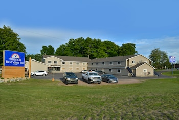 Picture of Americas Best Value Inn Marquette in Marquette