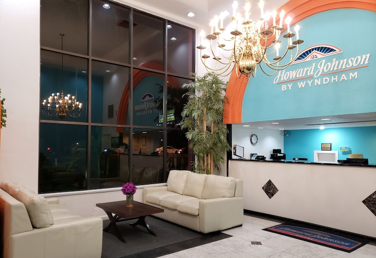 Howard Johnson by Wyndham Lake Front Park Kissimmee, Kissimmee, Lobby Sitting Area