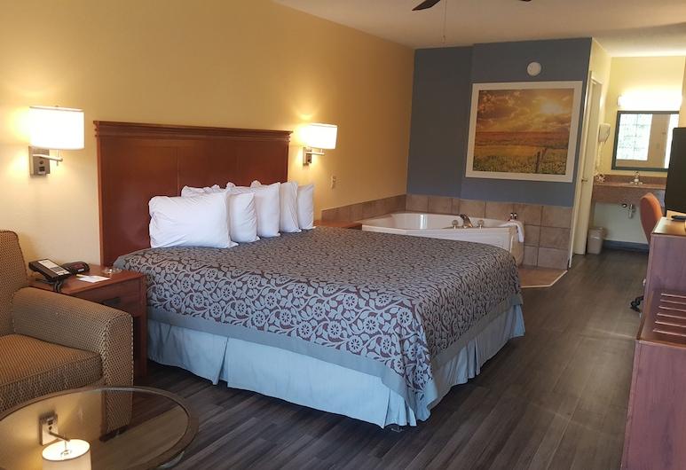Days Inn by Wyndham Trenton, טרנטון, סוויטה, מיטת קינג, חדר אורחים