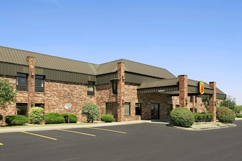 Picture of Super 8 by Wyndham Columbia City in Columbia City