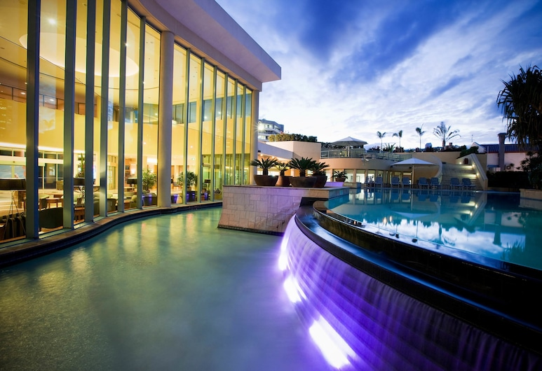 Mantra Legends Hotel, Surfers Paradise, Outdoor Pool