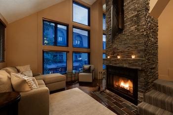 תמונה של Executive - The Inn at Whistler Village בוויסטלר