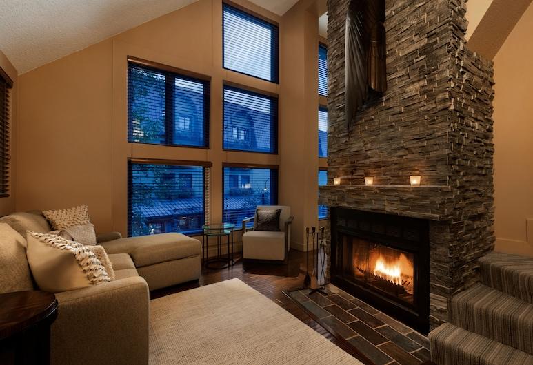 Executive - The Inn at Whistler Village, Whistler, Prezidentské apartmá, Obývací prostor