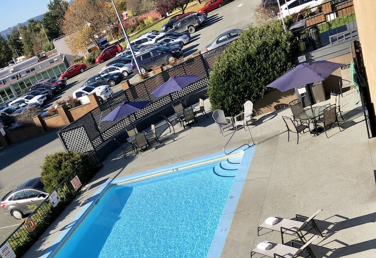 Travelodge by Wyndham Victoria, Victoria, Outdoor Pool