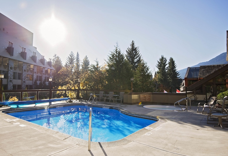 Whistler Village Inn And Suites, Whistler, Indoor/Outdoor Pool