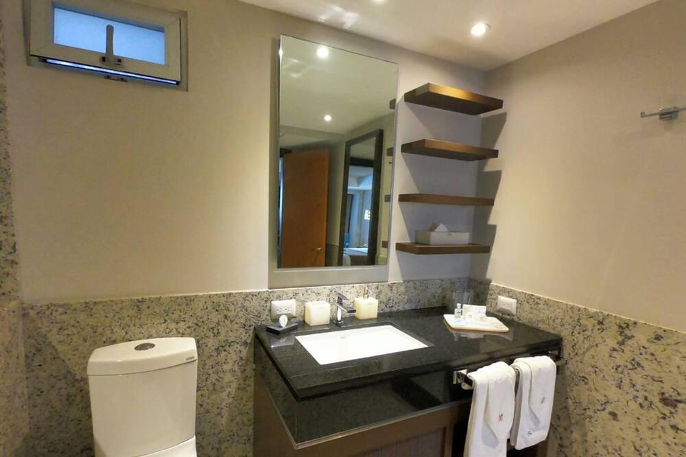 Standard-Doppelzimmer, 1 Queen-Bett - Badezimmer