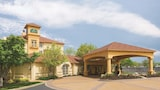Picture of La Quinta Inn & Suites St. Louis Westport in Maryland Heights