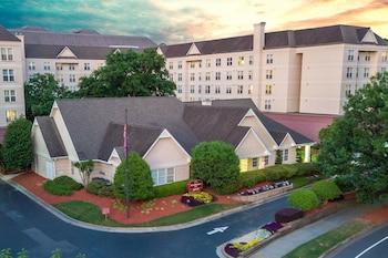 Mynd af Residence Inn By Marriott Buckhead Lenox Park í Atlanta