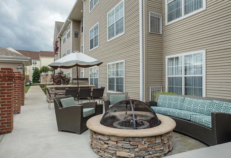 Residence Inn By Marriott Knoxville Cedar Bluff, Knoxville, BBQ/Picnic Area