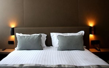 Book this In-room accessibility Hotel in Paris