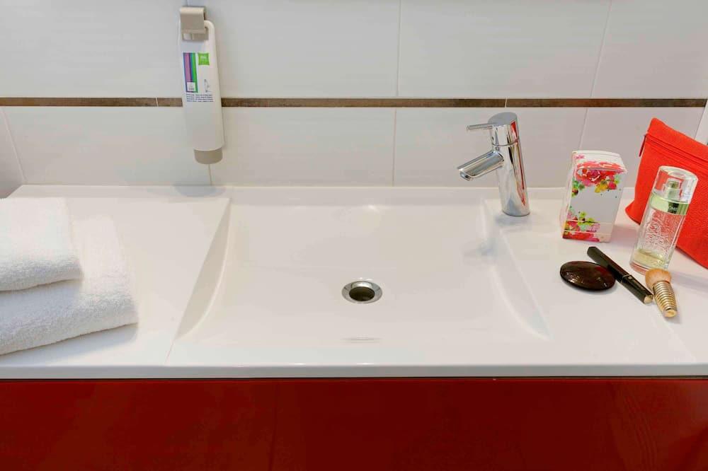 Oda, 1 Tek Kişilik Yatak - Banyo