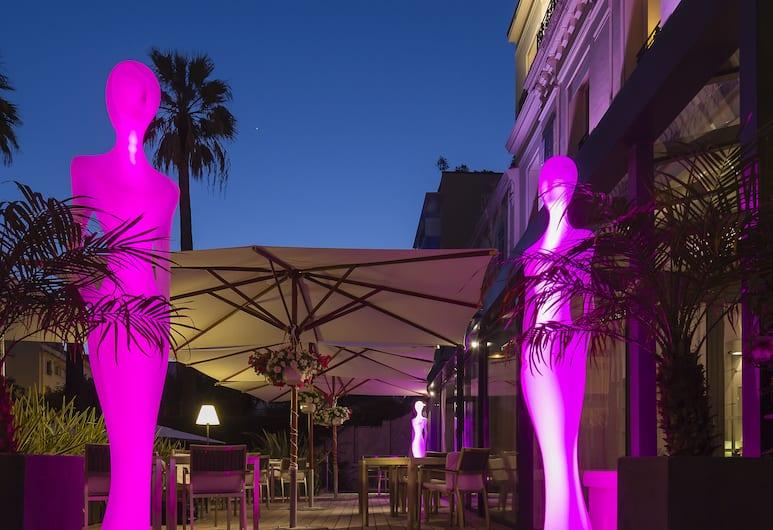 Hôtel Le Canberra - Hôtels Ocre et Azur, Cannes, Terassi/patio