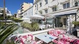 Choose This Luxury Hotel in Cannes