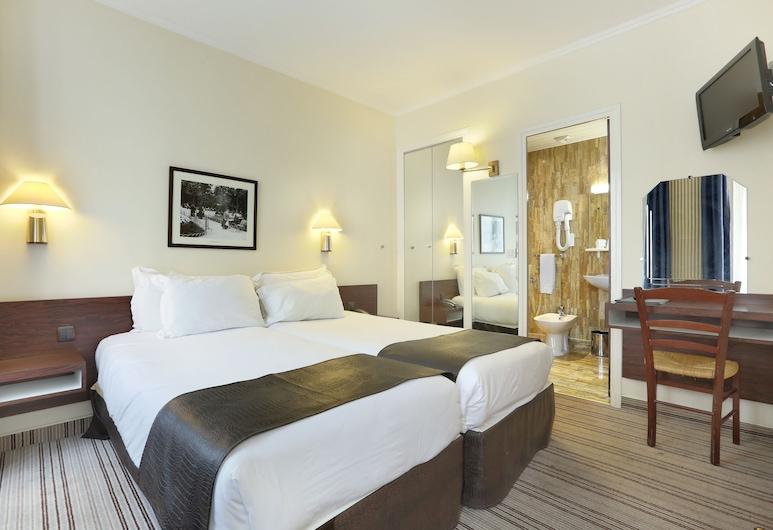 Hotel College De France, Paris, Classic trippelrum - badkar, Gästrum