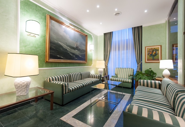 Hotel Flora, Miláno, Priestory na sedenie v hale