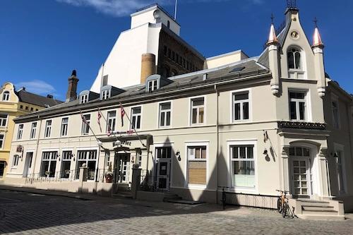 貝斯特韋斯特普拉斯巴克禮耶特酒店/