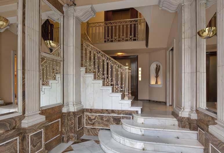 Hotel Via Augusta, Barcelona, Staircase