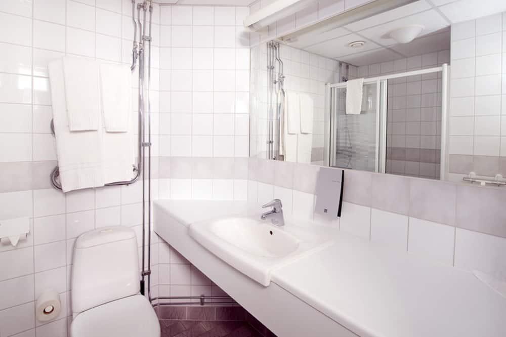 ห้องพัก (Includes a light evening meal) - ห้องน้ำ