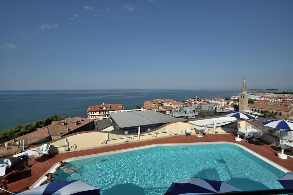 屋上プール
