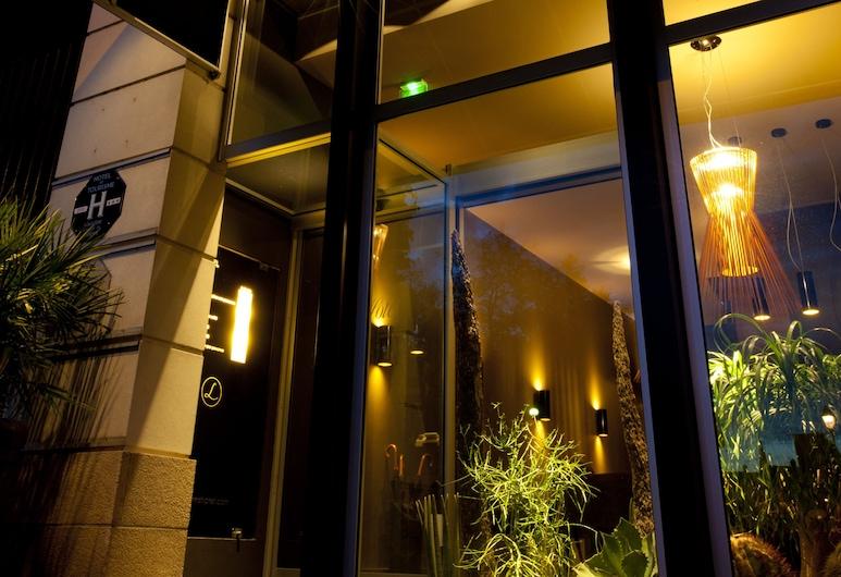 L'Hôtel, Nantes, Enceinte de l'établissement