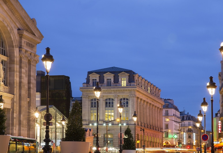 Hotel Albert Premier, Paris, Hotel Front – Evening/Night