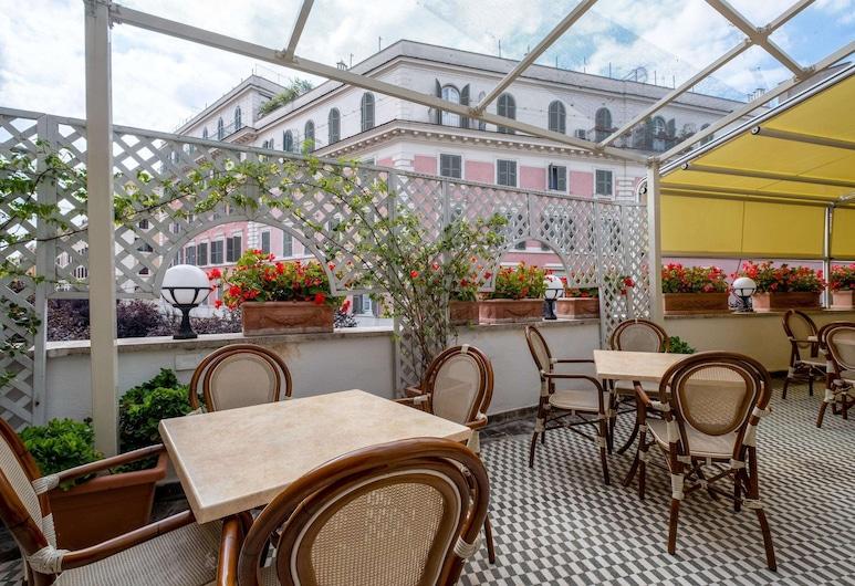 Quality Hotel Nova Domus, Rome, Terrasse/Patio