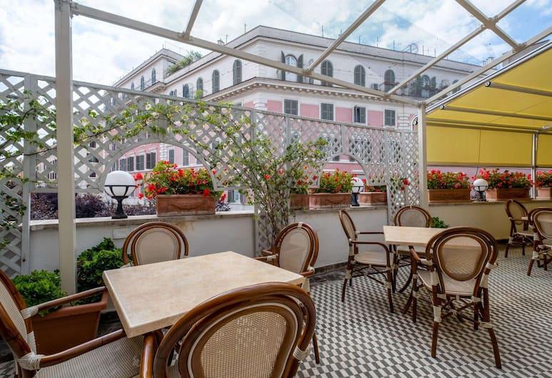 Quality Hotel Nova Domus, Rom, Teres/Laman Dalam